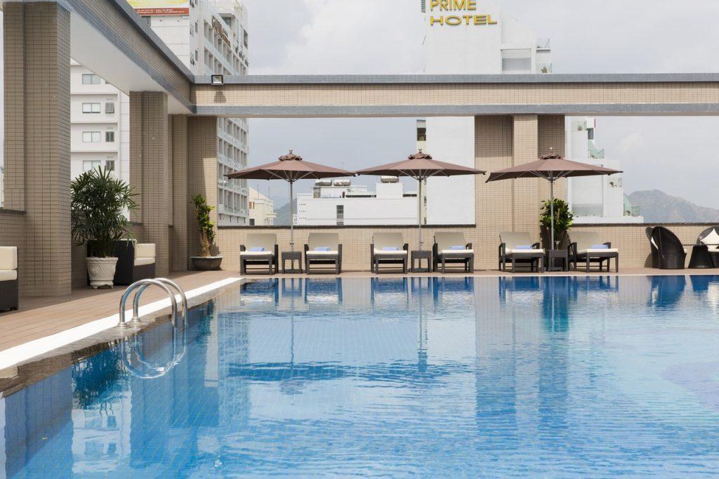 бассейн отель