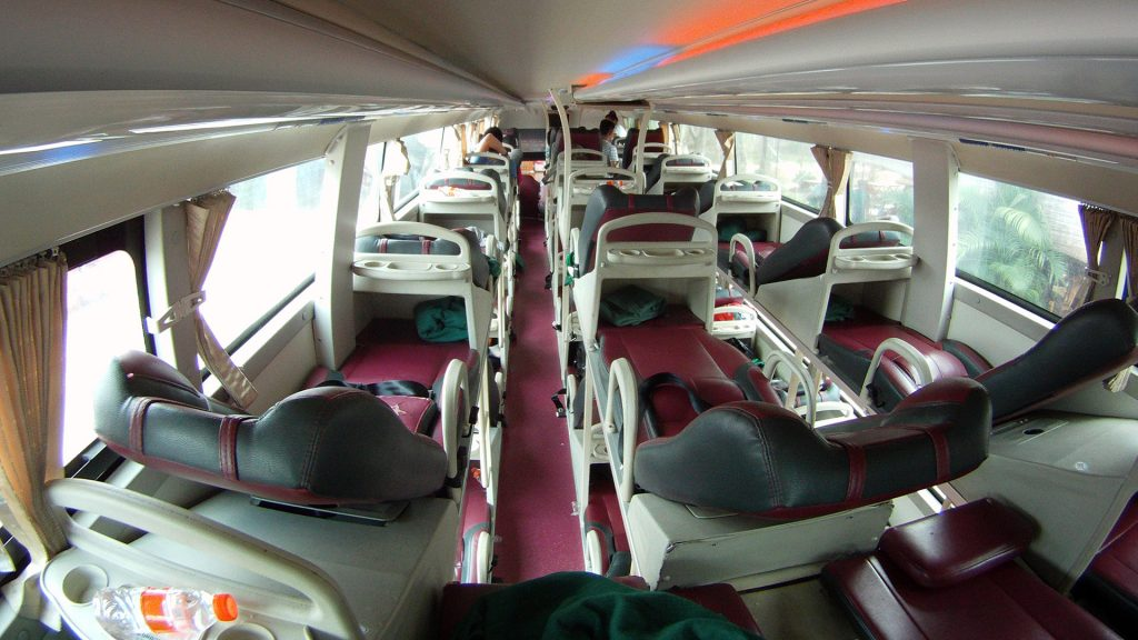 автобус салон