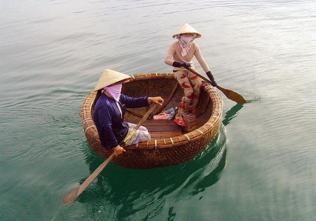 Круглые рыбацкие лодки Нячанга