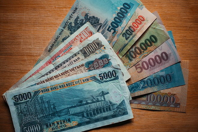 Курс вьетнамского донга к доллару и к рублю во Вьетнаме