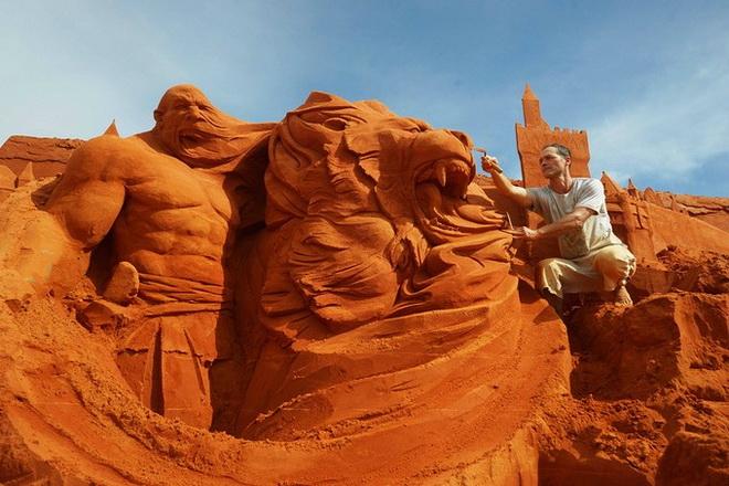 Парк скульптур из песка